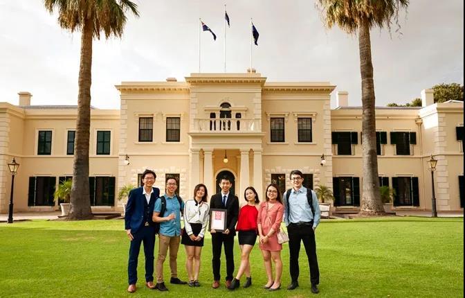 2021国际学生奖申请要求